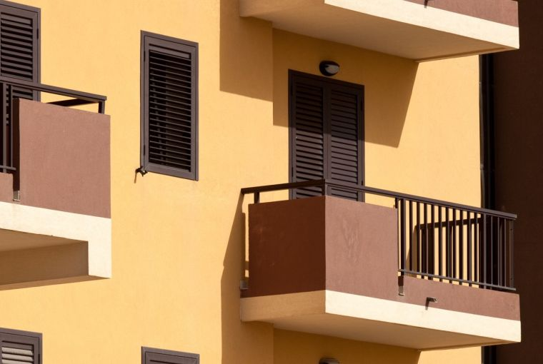 Apartments provided with Exterior Insulation and Finishing System (EIFS)